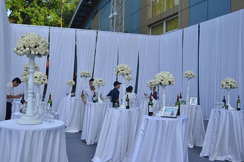 chuẩn bị trong ngày cưới